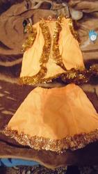 Продаю красивый Новогодний костюмчик! А также красивые платья.