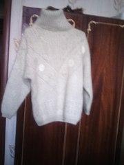Продаю тёплый, уютный свитерок.