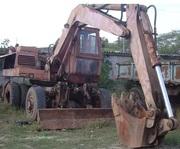 Продаем колесный экскаватор ЭО-3323,  0, 63 м3,  1992 г.в.